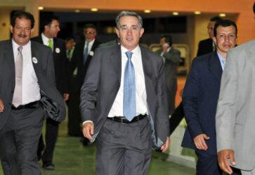 Uribe debe responder